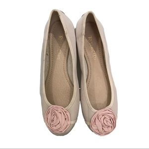 Restricted ballet flats